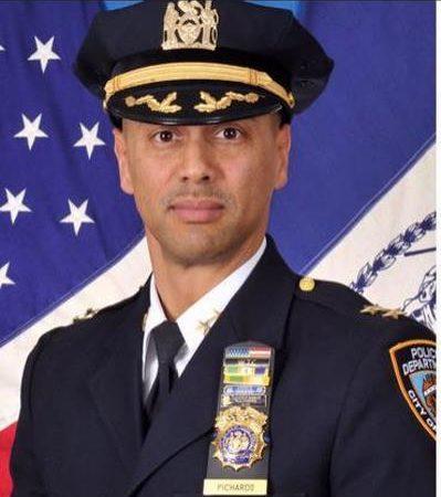 Dominicano nombrado jefe de patrullas en Nueva York inició su cargo con desafíos .