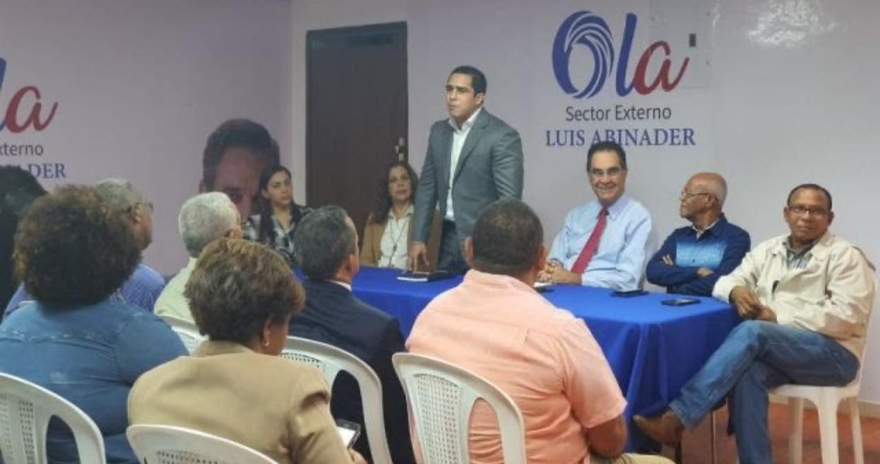 Designan a Germán Robles como director político del Sector Externo PRM en Gran SD