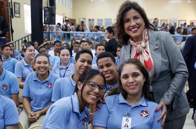 Margarita llama a realzar los valores en la juventud