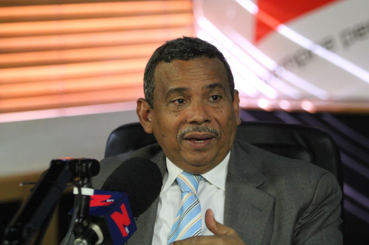 Radhamés Segura afirma Abinader ha ido cayendo y Gonzalo subiendo en encuestas