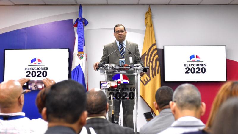 JCE informa material electoral ya se encuentra en todos los municipios; observadores para elecciones municipales continúan llegando hoy