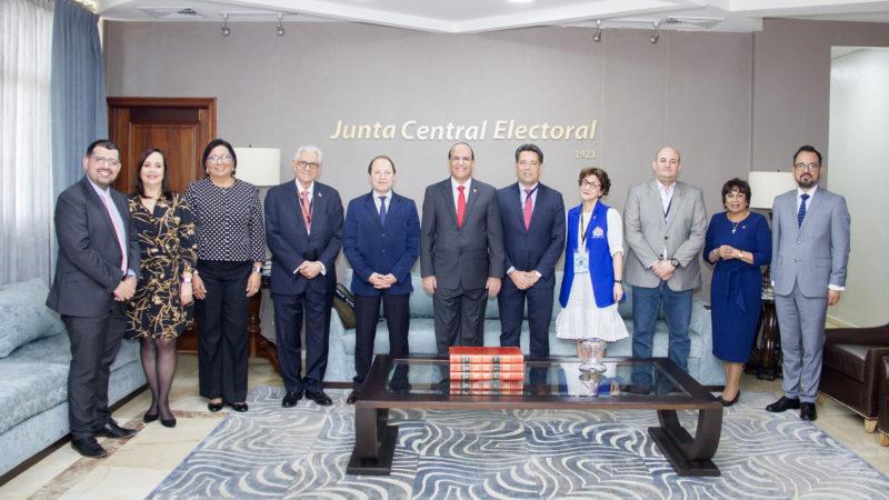 Pleno JCE sostiene reunión con integrantes de Misión de UNIORE sobre montaje de Elecciones Municipales