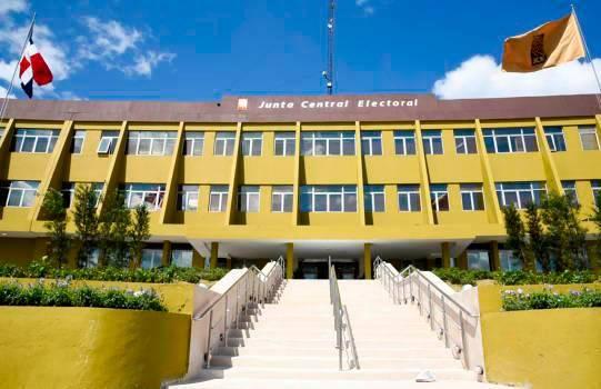 JCE concluye inspección sobre denuncias de video Director del Departamento Aeroportuario; informe se envía hoy a PGR