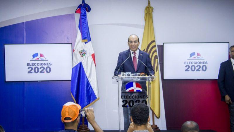 Presidente JCE llama a la dirigencia política a que las elecciones transcurran en absoluta paz