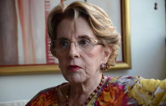 Fallece Arlette Fernández, viuda del héroe constitucionalista Fernández Domínguez