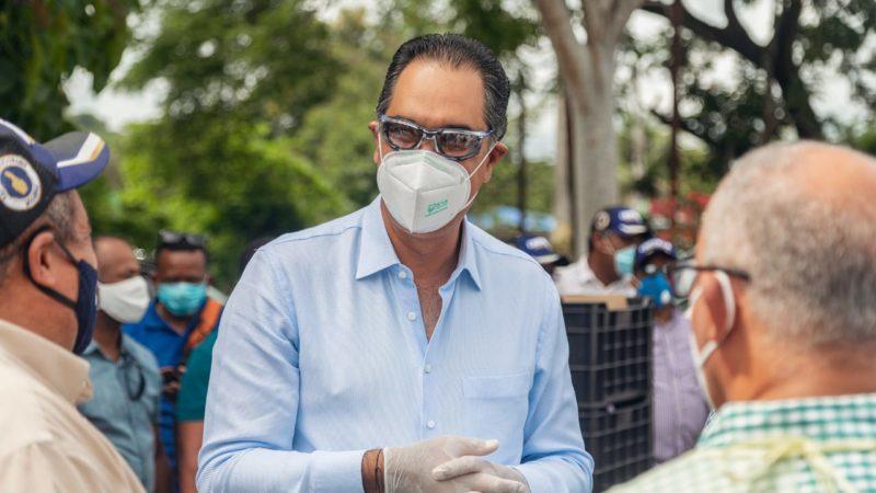 Sector Externo de Luis Abinader dona insumos médicos a hospital en Hato Mayor