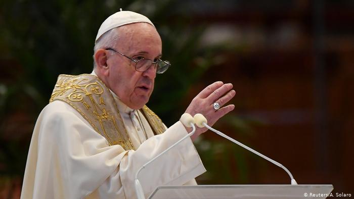 Papa Francisco pide un periodismo valiente y controles contra las noticias falsas