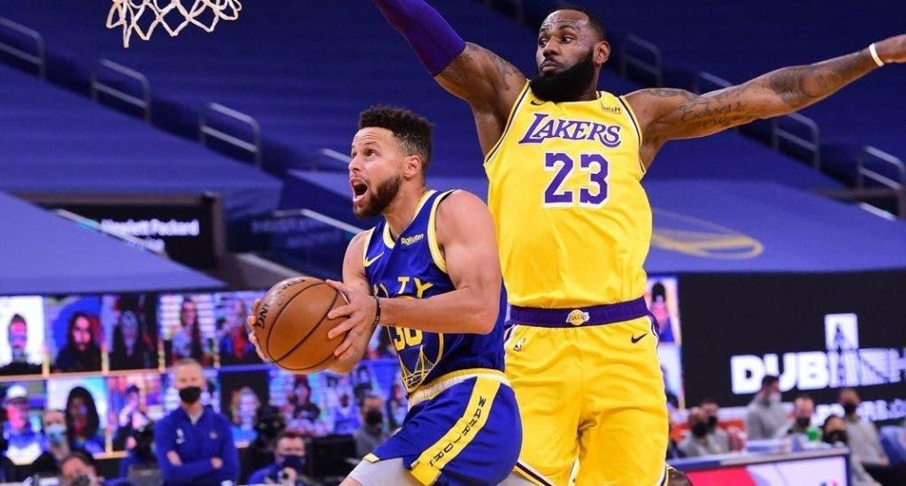 Los Lakers suplen la baja de Gasol con un vendaval ofensivo ante los Warriors
