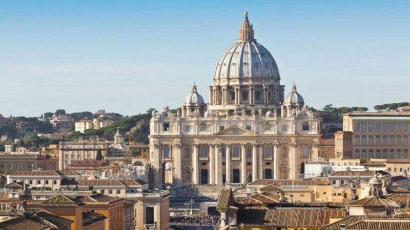 El Vaticano pide mayores donaciones de los fieles ante la situación económica
