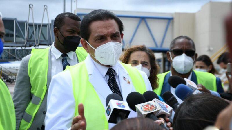 Ministro de Salud informó que durante el asueto de SS hasta este lunes, unas 320, 893 personas han recibido la segunda dosis contra la COVID-19