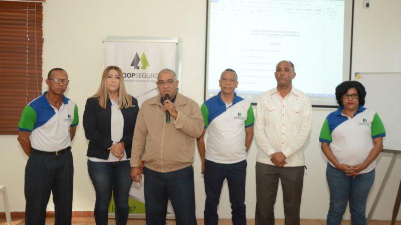 Comité de Educación de COOPSEGUROS realizan actividad educativa con motivo al mes del cooperativismo