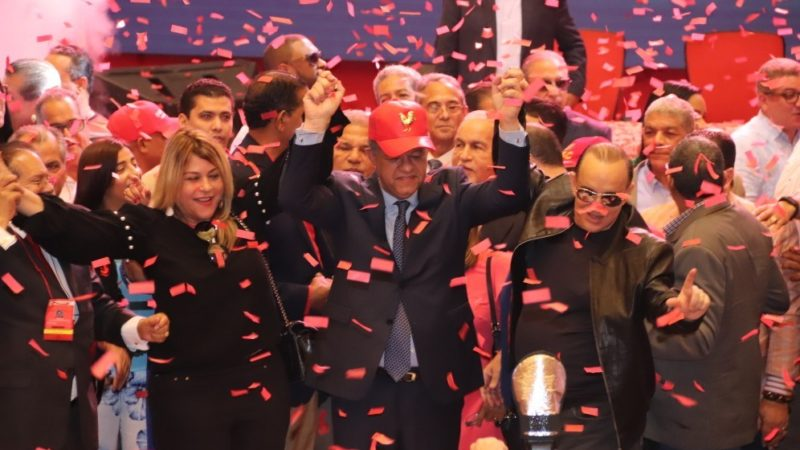 Reformistas proclaman a Leonel Fernández como su candidato presidencial para 2020