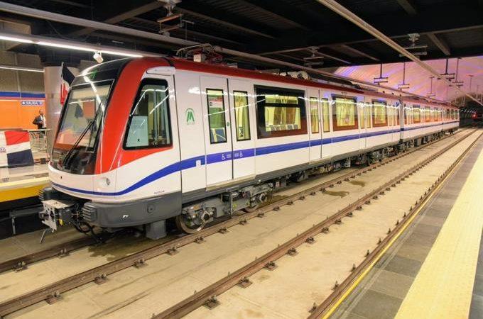 Metro y Teleférico extienden sus horarios de servicios los fines de semana.