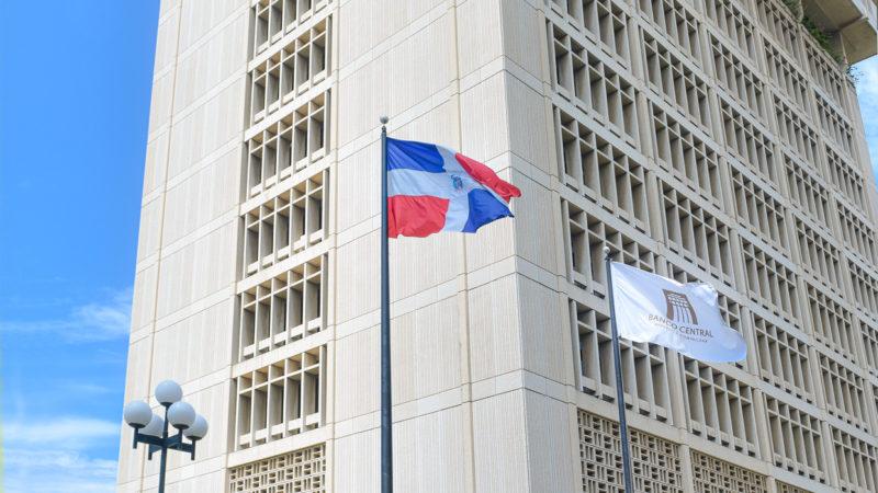 El Banco Central realiza donaciones al Centro de Operaciones de Emergencia y al Hospital General Plaza de la Salud