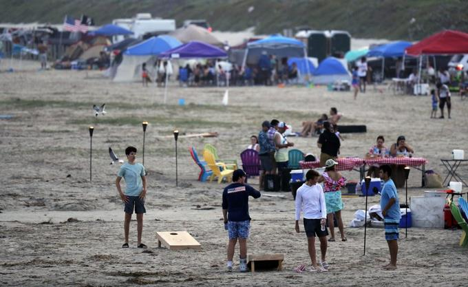 EEUU: Abarrotan parques y playas en fin de semana feriado