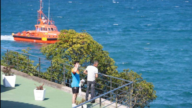 Encuentran muerto a joven dominicano que se lanzó al mar para rescatar a su novia en España