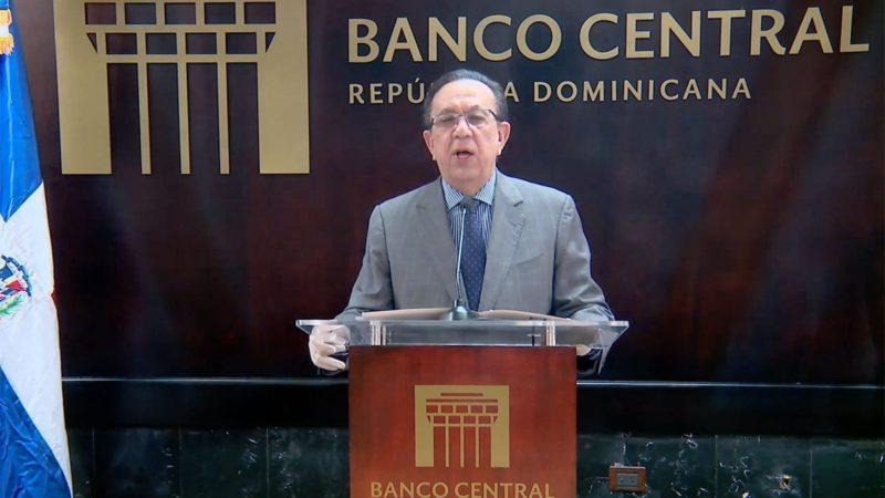 """Héctor Valdez Albizu: """"A pesar de la crisis, fundamentos de economía permanecen fuertes"""""""