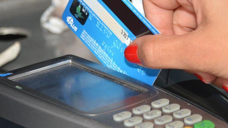 Transacciones con tarjetas se reducen hasta 23.61% en mes de mayo