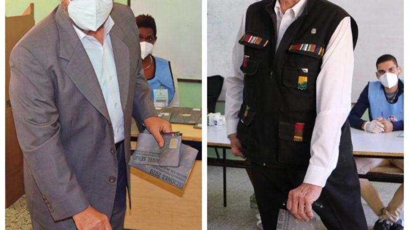Guillermo Moreno acude temprano a votar
