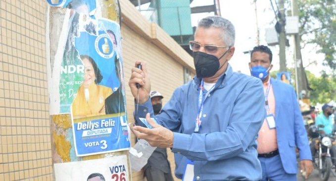 Alcaldía SDE inicia jornada de retiro de propaganda política en el municipio.