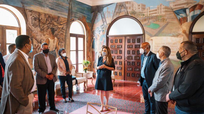 Alcaldesa Carolina Mejía encabeza encuentro con alcaldes de la mancomunidad del Gran Santo Domingo