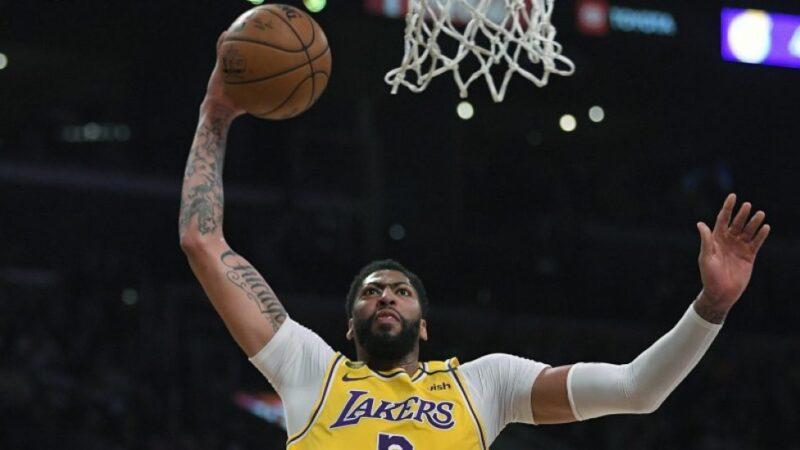 Anthony Davis anota 42 en victoria de los Lakers sobre el Jazz en la NBA