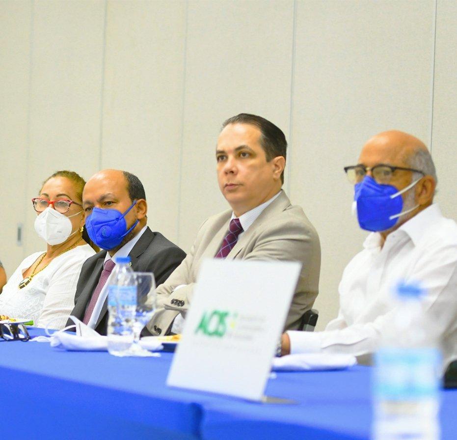 Titular de DGII se reúne con sectores productivos Santiago