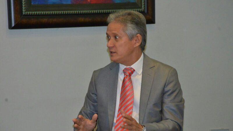 Ng Cortiñas cataloga como irracionalidad financiera colocación de bonos por US$3,800 millones
