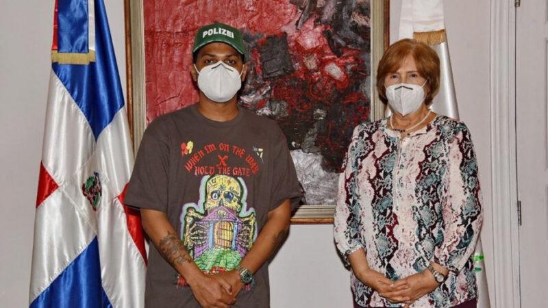 Ministra de Cultura se reúne con Santiago Matías para tratar propuestas sobre género urbano