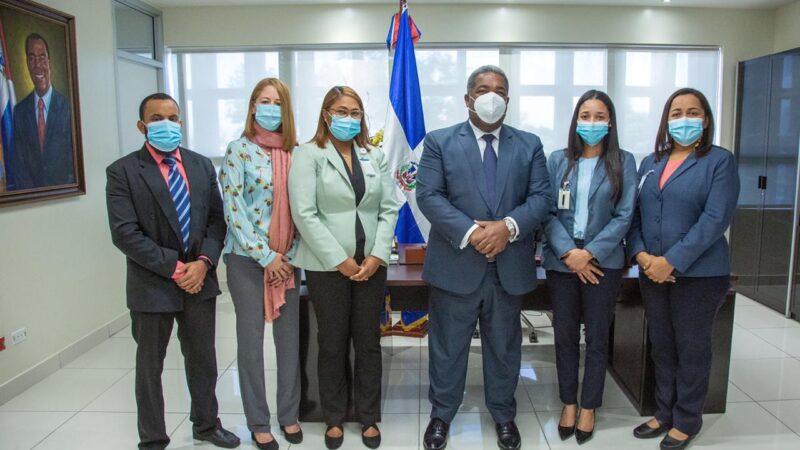 Tony Peña dispone eliminacion de seguro médico internacional y comida para altos funcionarios del Gabinete de Política Social