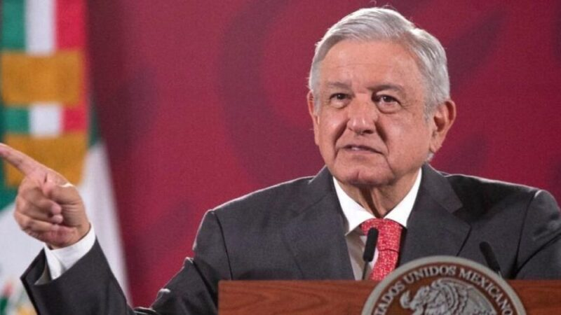 """López Obrador ve """"lamentable"""" el arresto en EE.UU. de exministro de Defensa"""