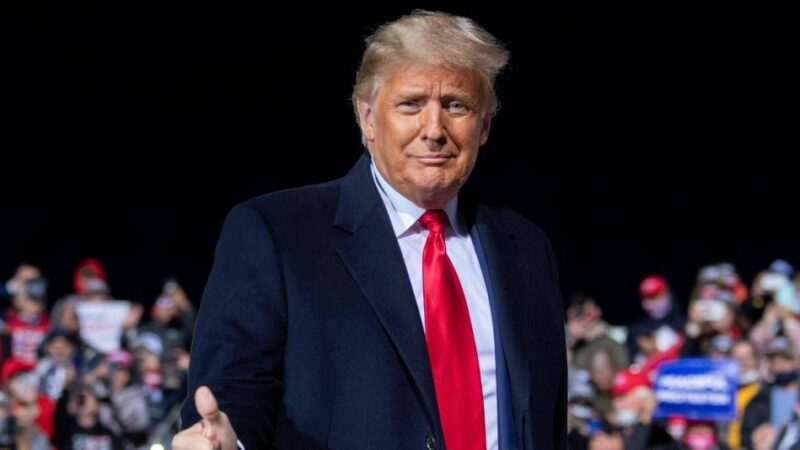 Donald Trump está a la defensiva, busca votos en dos estados cruciales