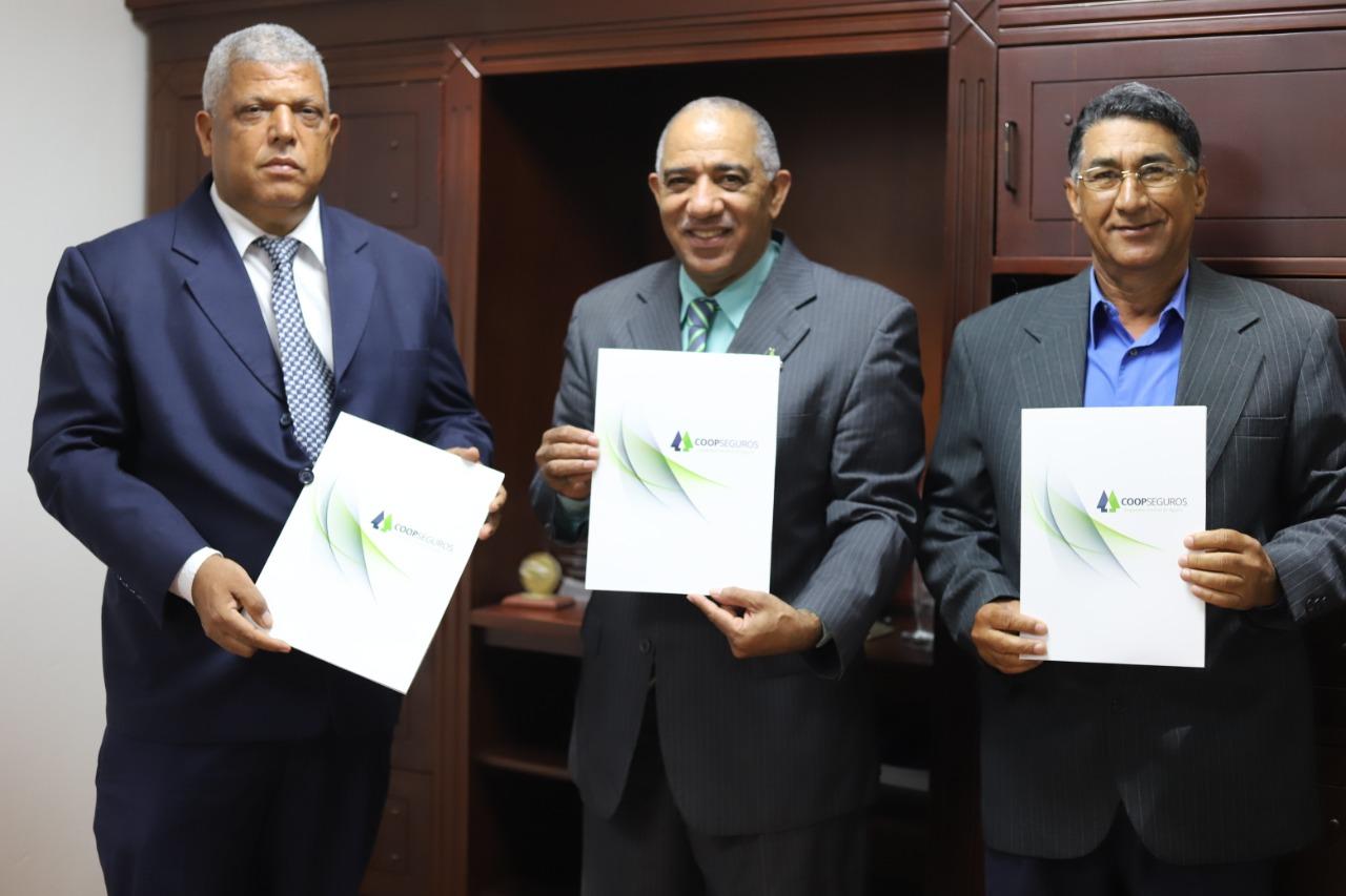 Cooperativa Agropecuaria y Federación de Cooperativas de la Región Este pactan respaldo a COOPSEGUROS