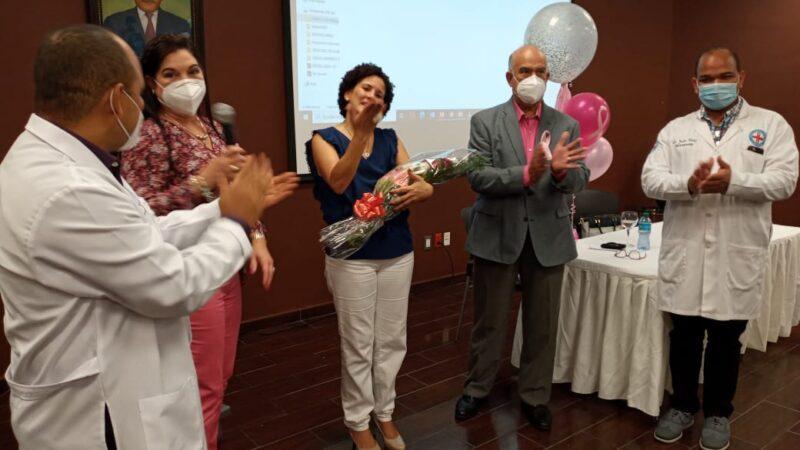 Hospital Darío Contreras Realiza charla de Prevención y Sensibilización por el Cáncer de Mama