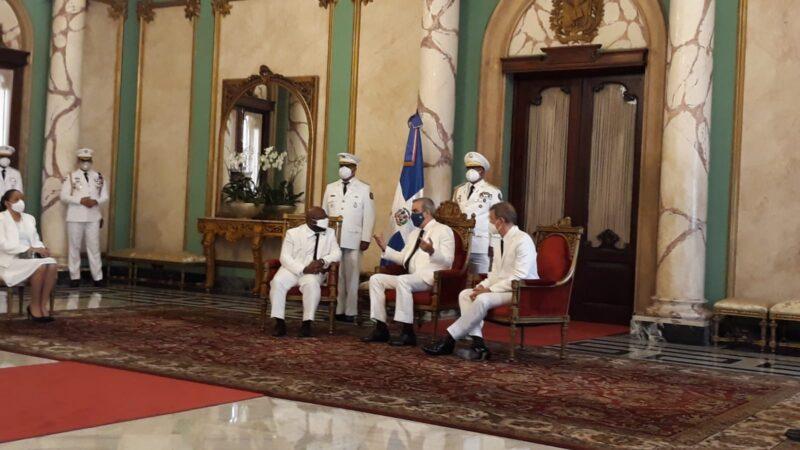 Presidente Abinader recibe credenciales nuevos embajadores