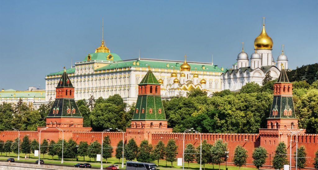 """El Kremlin califica de """"inamistosas"""" las sanciones de UE por el caso Navalni"""