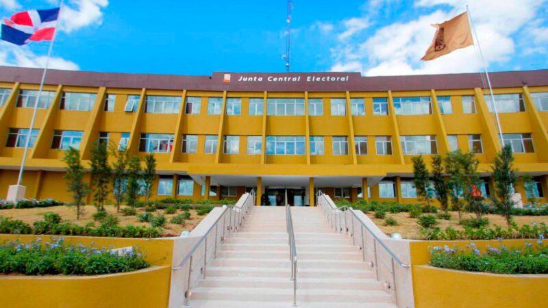 Pleno de la JCE adopta decisiones de carácter administrativo