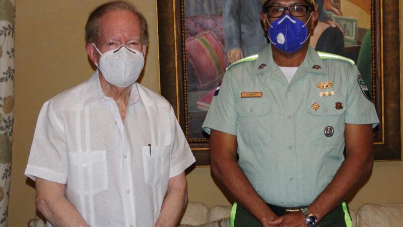 Director de la DIGESETT visita al empresario Pepín Corripio