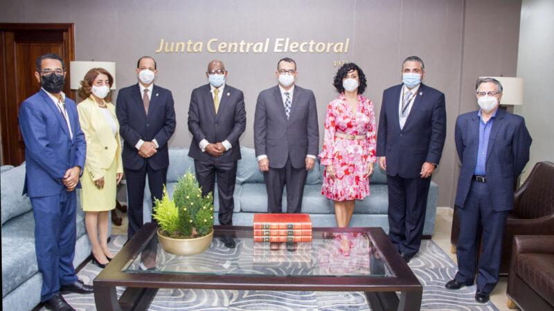Comisión del Partido Frente Amplio visita la JCE; la institución dará apoyo a su VI Convención