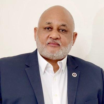 Ministro de Educación confirma estar positivo al COVID-19