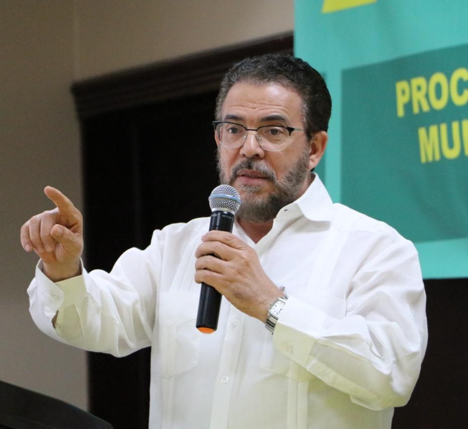 """Guillermo Moreno: """"Fin de año no significa el fin de la pandemia"""""""