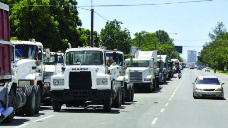 Prohíben circulación de vehículos de carga en días festivos de Navidad y Año Nuevo