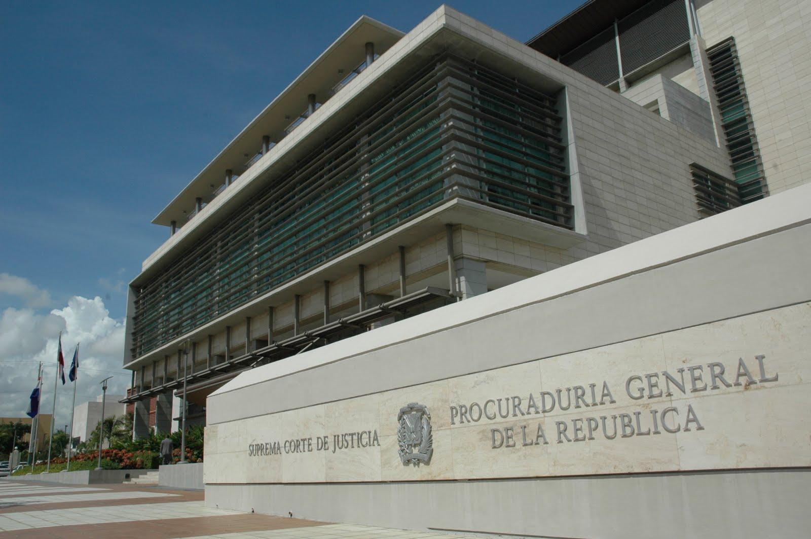 Tribunal envía a prisión a hombre acusado de feminicidio en La Vega