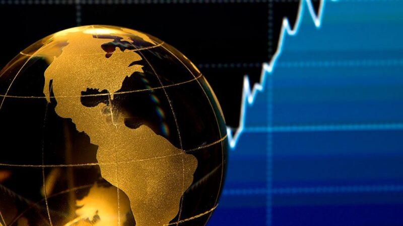 La economía mundial se expandirá en un 4 % en 2021; la distribución de vacunas y las inversiones son clave para sostener la recuperación