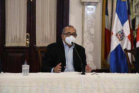 Ministro de Salud resalta éxitos de protocolos en torneo de béisbol