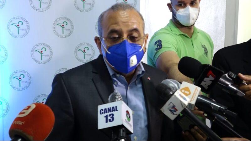 Abinader cancela ministro de Salud en medio de investigación sobre compra de jeringuillas
