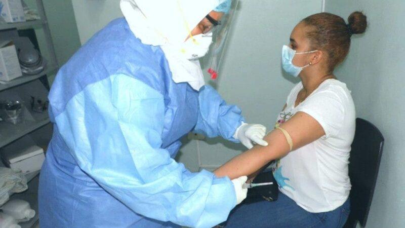 Salud Pública reporta 755 contagios de COVID-19 y 6 muertes
