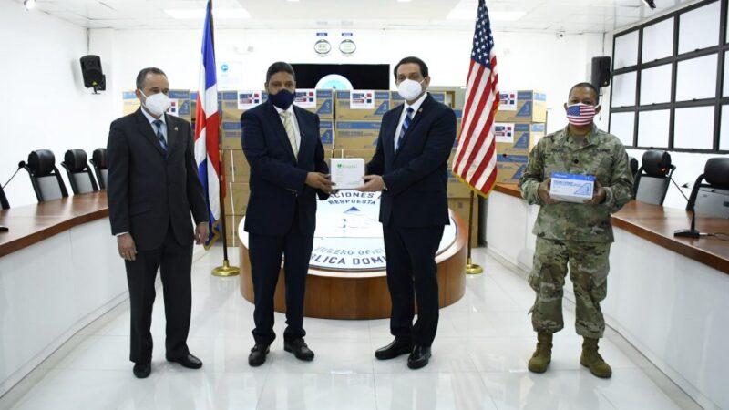 Ministerio de Salud recibe donación de 200 mil jeringas por parte de la Embajada de USA
