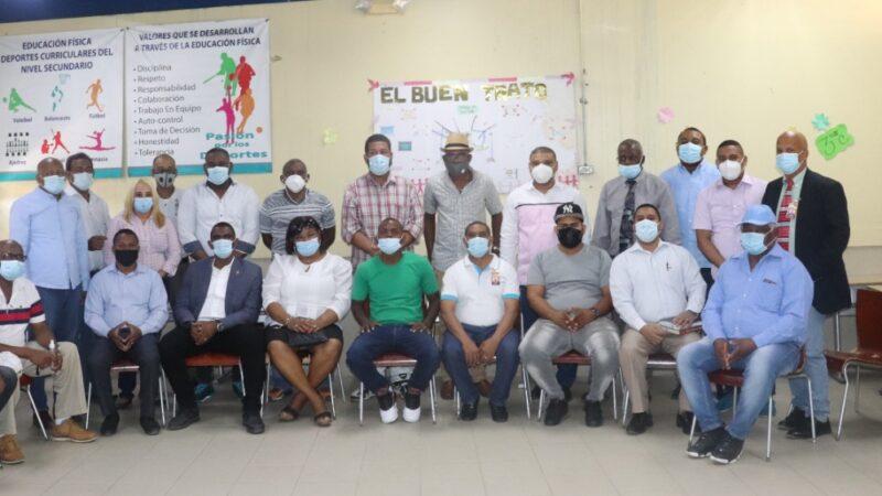 Comunitarios realizan encuentro de socialización para buscar solución a males del municipio SDN