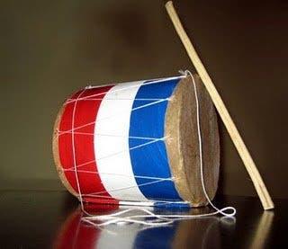 Intentan llevar droga a EEUU escondida en llaveros con forma de tamboristas